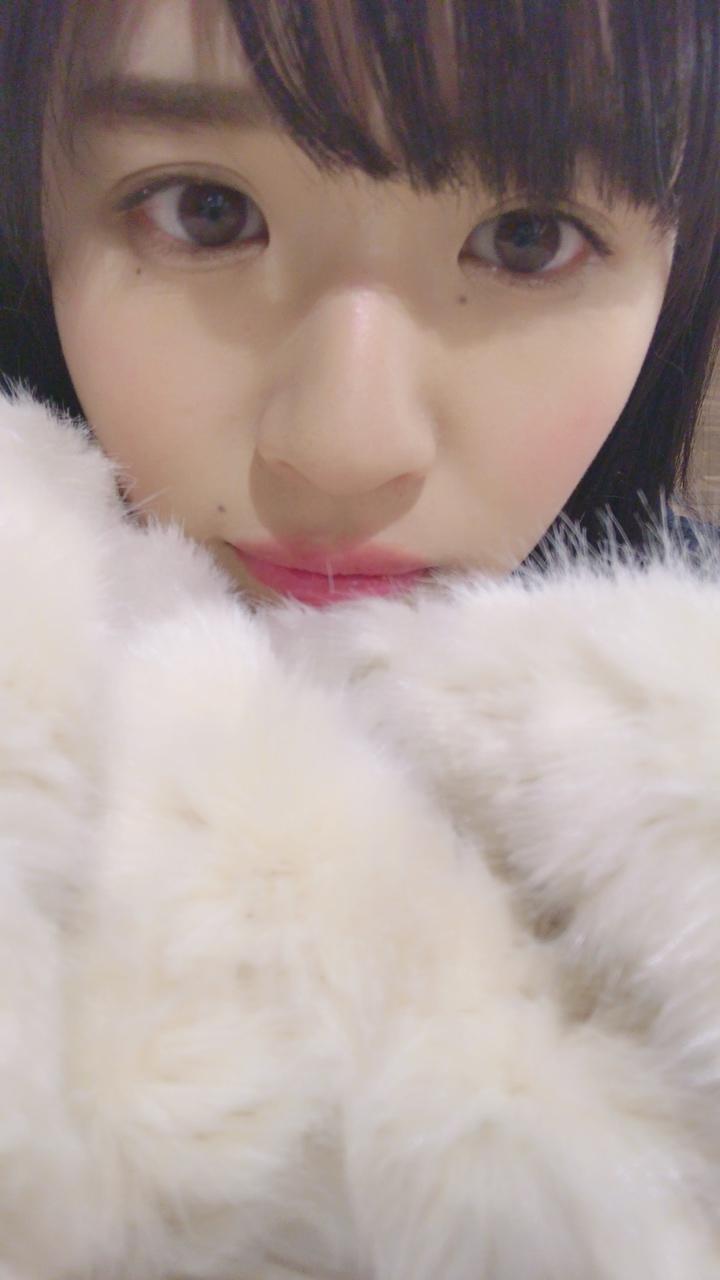 顔の肌がきれいな松田好花さん