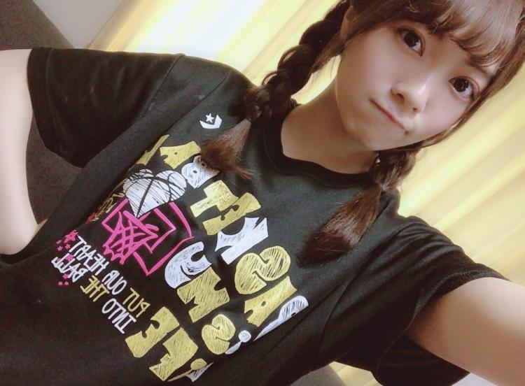 宮田愛萌のtシャツ画像